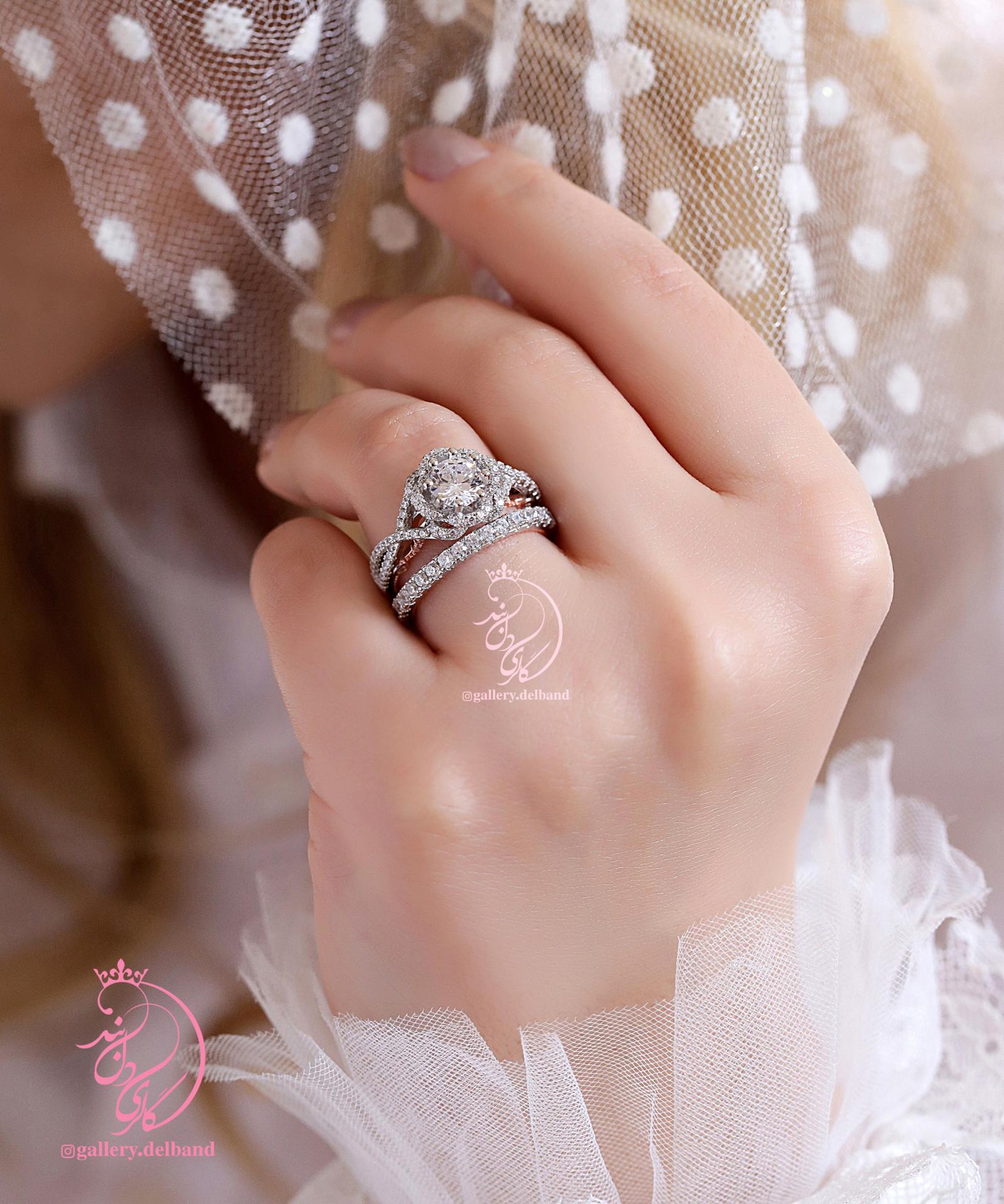  💎حلقه و پشت حلقه جواهری با نگینهای زیرکونیا اتریشی نقره عیار ۹۲۵ با روکش طلا سفید و طراحی جواهر منحصر به فرد و سفارشی در نقره و داخل رکاب ها رزگلد 