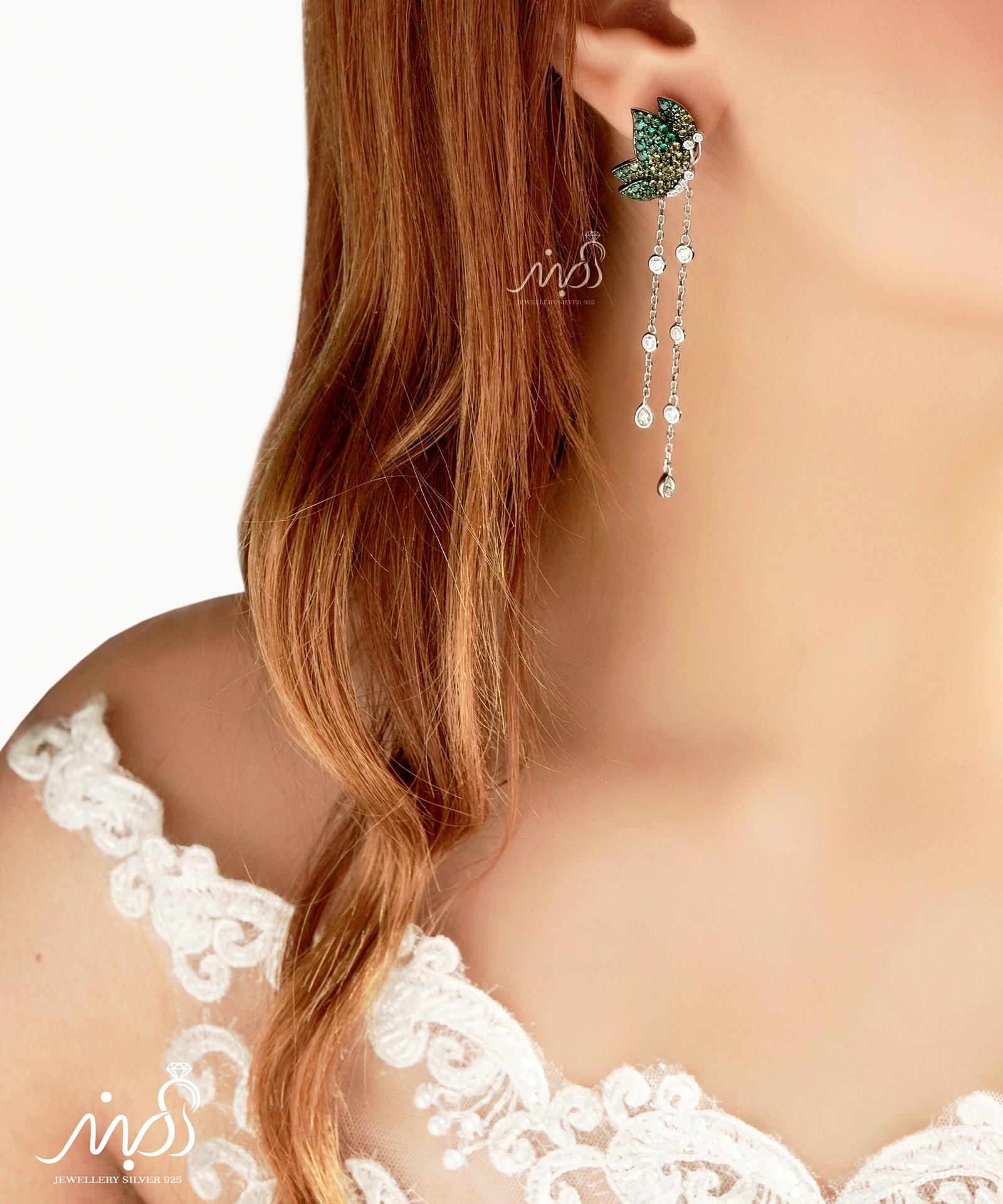 💍گوشواره جواهری لوکس ؛ طرح پروانه نگینهای نسکافه ای رنگ و سیترین و آویز بلند نگینی دارای طراحی ژورنالی بسیار خاص و فوق العاده زیبا ، با قفل اُمگا ،نقره عیار ۹۲۵ (E_5008)