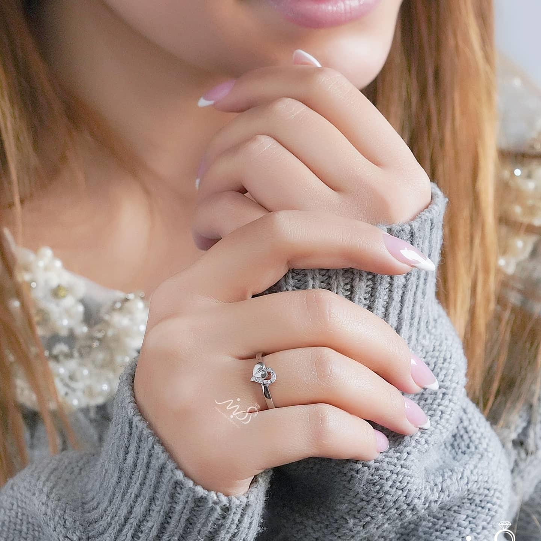 💍انگشتر طرح جواهر قلب ؛ با طراحی زیبا و ظریف نقره عیار ۹۲۵ با روکش طلا سفید