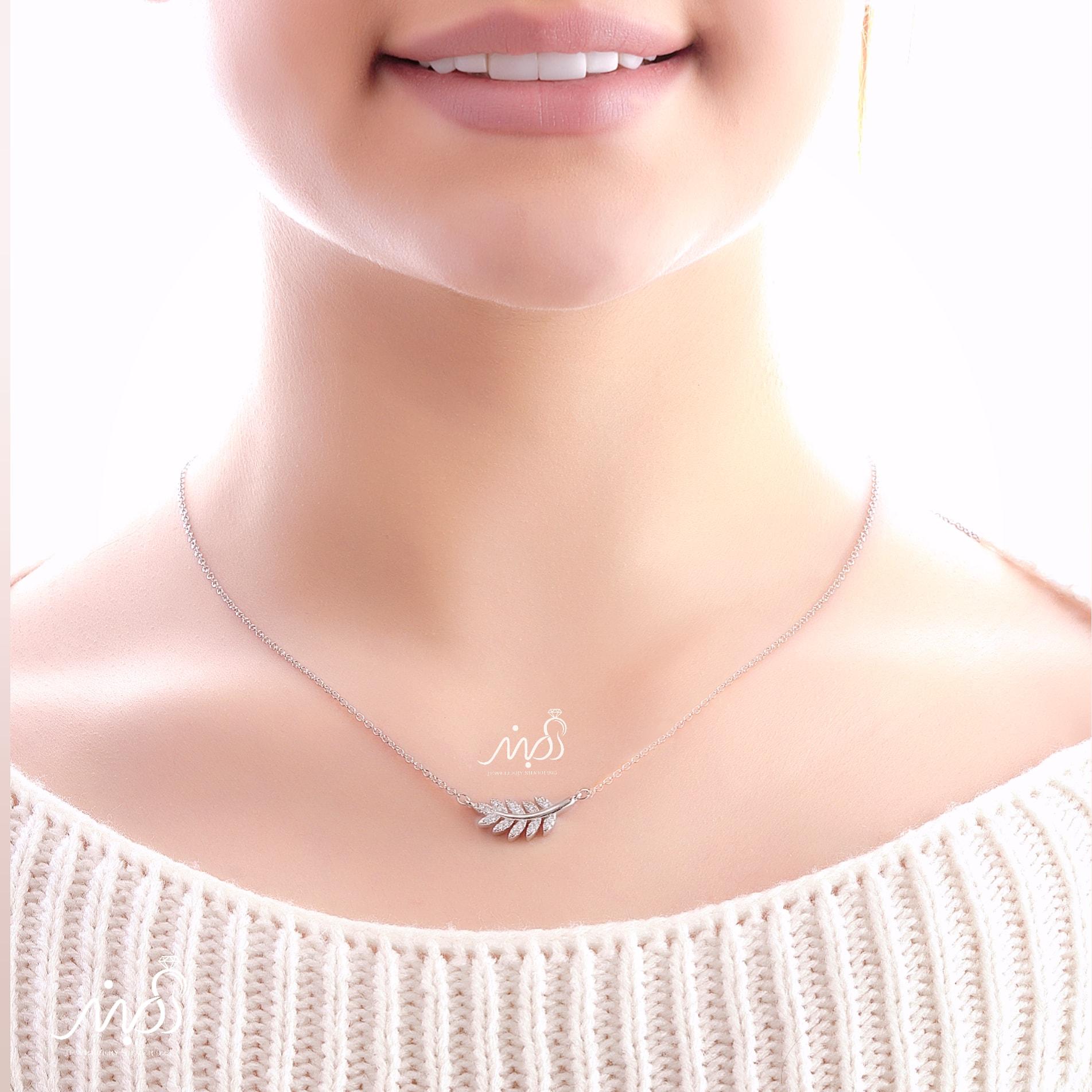 💍گردنبند طرح جواهر برگ ؛ با طراحی زیبا و ظریف نقره عیار ۹۲۵ با روکش طلا سفید(G_3048)