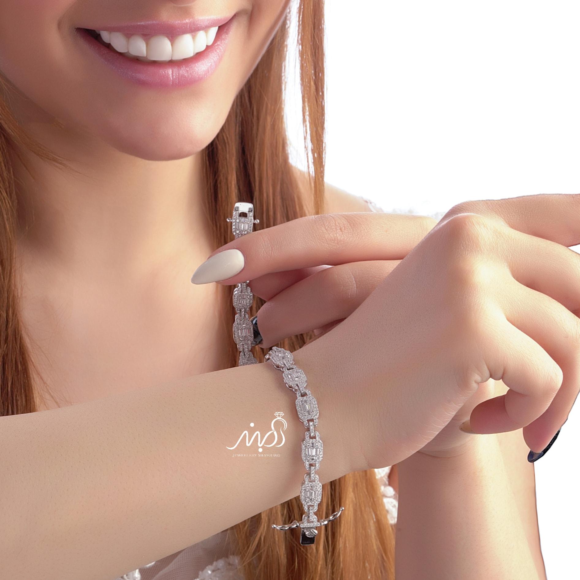 💍دستبند جواهری لوکس و زیبا امرالد ، نقره عیار ۹۲۵ با روکش طلا سفید و قفل جواهری(D_7025)