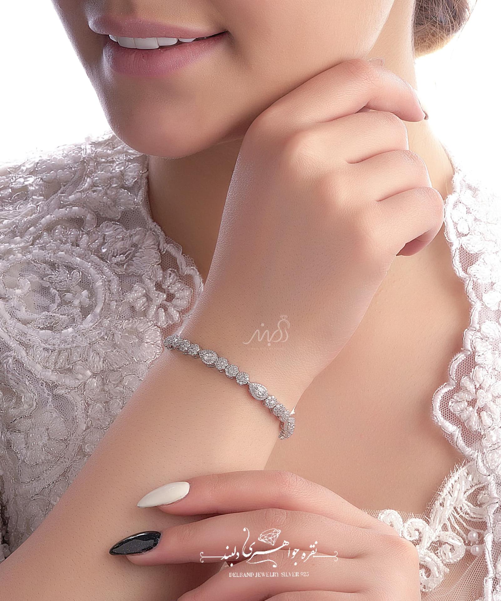 💍دستبند جواهری با طراحی زیبا ، نقره عیار ۹۲۵ با روکش طلا سفید و قفل جواهری(D_7029)