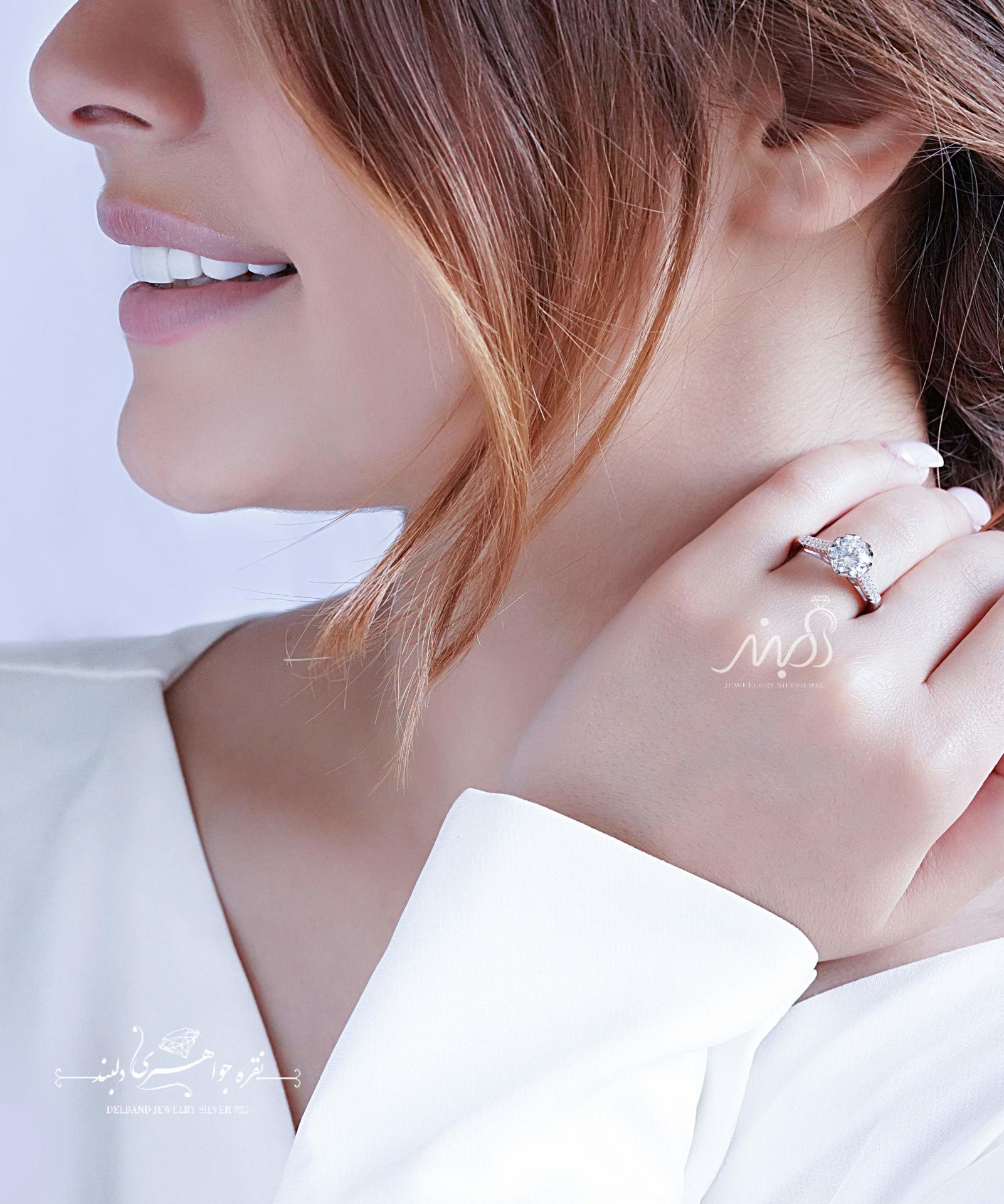 💍انگشتر جواهری سوليتر ؛ با طراحی خاص نقره عیار ۹۲۵ (R_1091)
